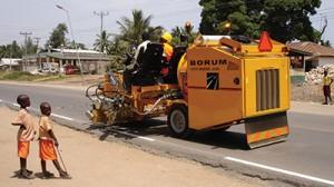 Road-making-machine